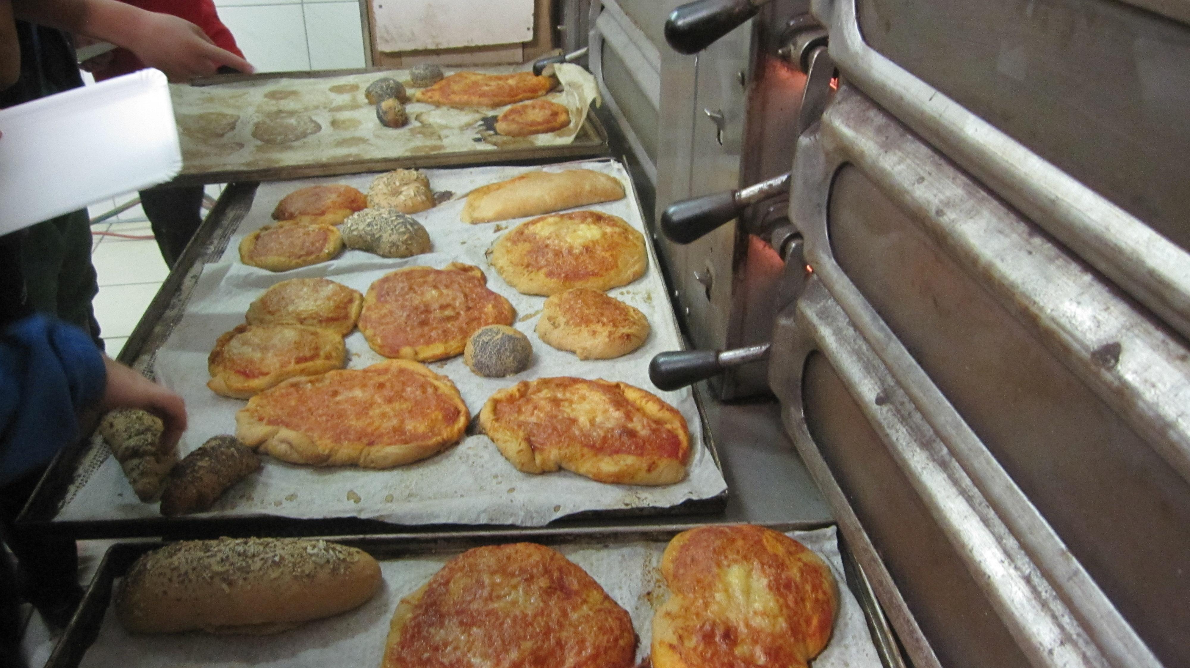 Schule am Bauernhof Pizza backen